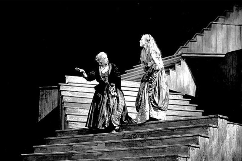 Representation of the Avignon Festival, Avignon, by Vitez (1989)