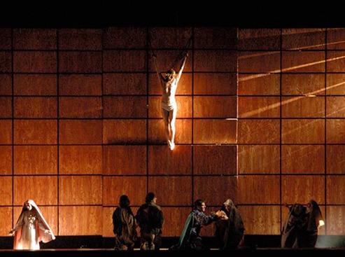 Representación de la Nau de Sagunt de Barcelona y el Teatro Español de Madrid, 2004