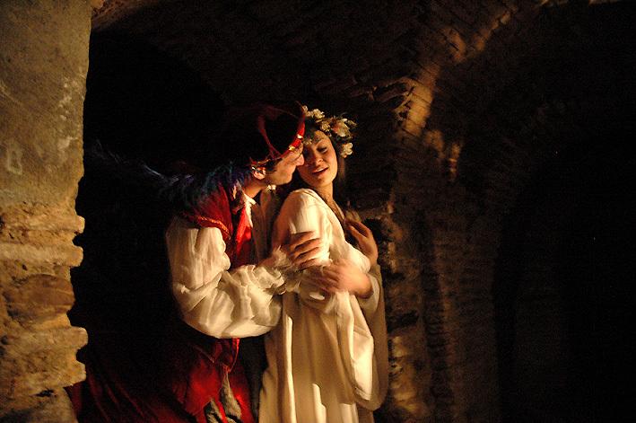Representación del Teatro bajo tierra en el Festival Celestina, la Puebla de Montalbán, 2012