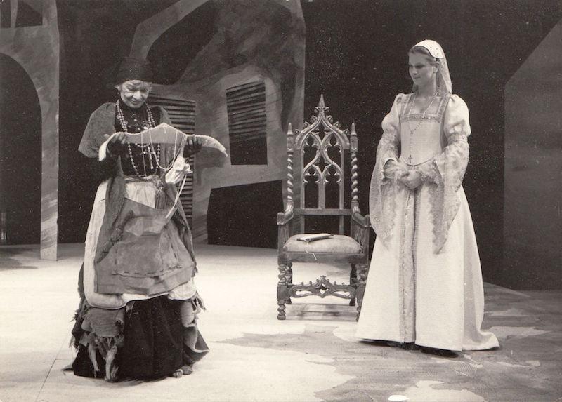 Representación de Nuffield Theatre, 1983